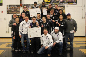 Wrestling team wins the regional tournament, advances to State
