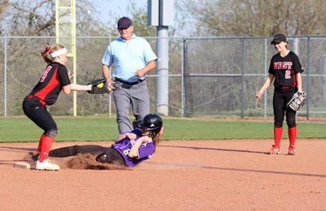 Varsity softball wins and loses in double header against BVW