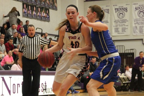 Girls basketball defeats GEHS in Pink Out game