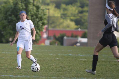 Girls soccer defeats Shawnee Mission Northwest, 1-0