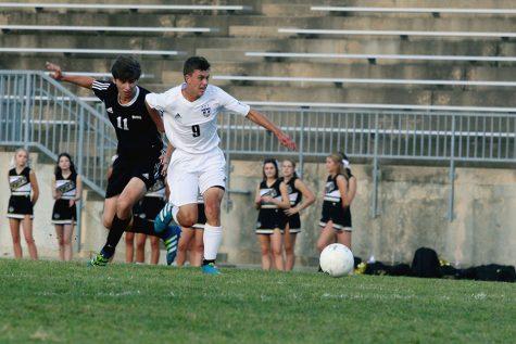 Boys varsity soccer shuts out Blue Valley, 7-0