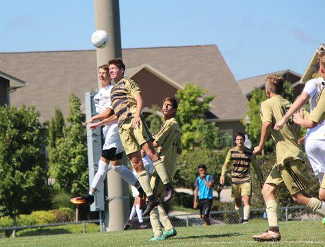 Varsity soccer defeats Lee Summit, 2-1