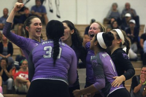 Varsity volleyball goes undefeated in triangular at BVN
