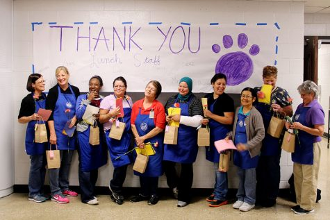 Cafeteria workers receive recognition for Husky Halftime work
