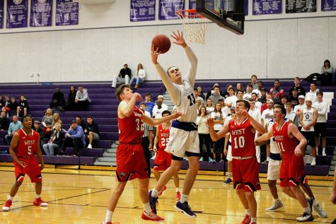 BVNW pulls away late, defeating BVW 56-34