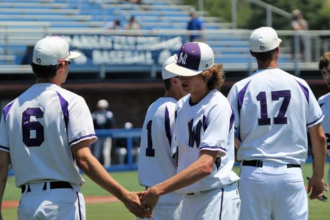 Errors plague Huskies semifinal, fall to Manhattan, 6-3