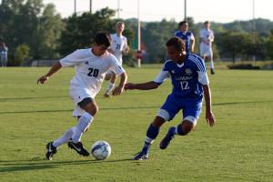 Boys soccer defeats Rockhurst
