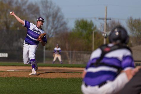 Varsity baseball splits double-header against Mill Valley