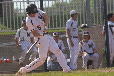Varsity baseball falls to OSHS 9-8