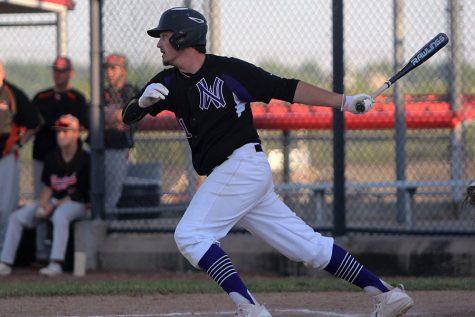 Varsity baseball topples SMNW, 6-5