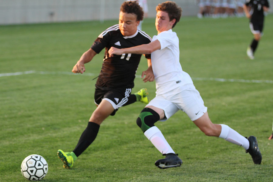 Varsity soccer loses in double overtime against BVHS, 2-1