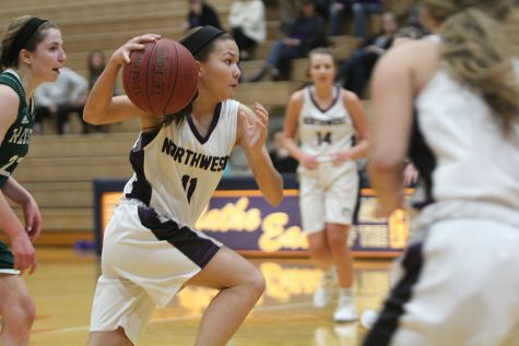 BVNW girls basketball drops season-opener against SME, 34-29
