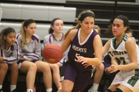 BVNW wins Sweetheart game against Blue Valley West, 60-32