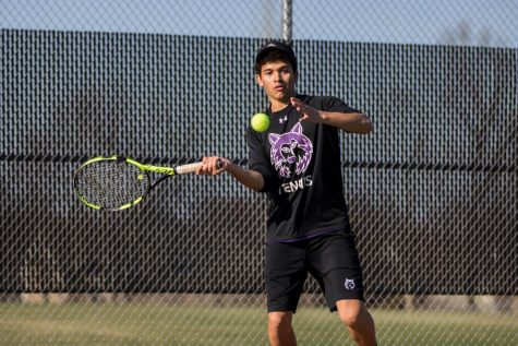 BVNW falls to Rockhurst in first dual of season, 11-1