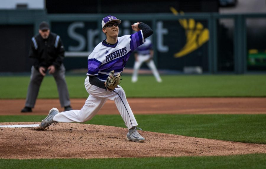 Duensing's complete game propels Huskies past Eagles in 6-2 win