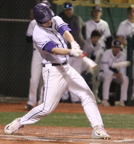 Baserunning blunders hurt Huskies in 7-4 loss to Rogers (Ark.)